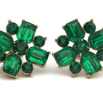 Vintage Faux Emerald Green Rhinestone Screwback Screw Back Clip On Earrings - Gold Foil Backs Rivets Vintage Costume Jewelry St Patricks Day