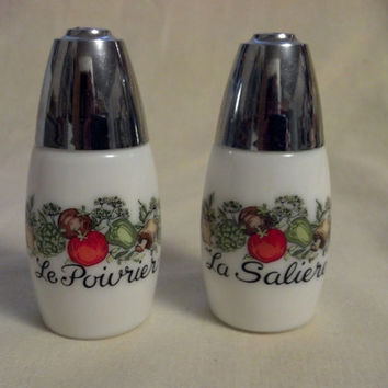 Spice Of Life Vintage Milk Glass Salt and Pepper Shakers, Vintage Kitchen
