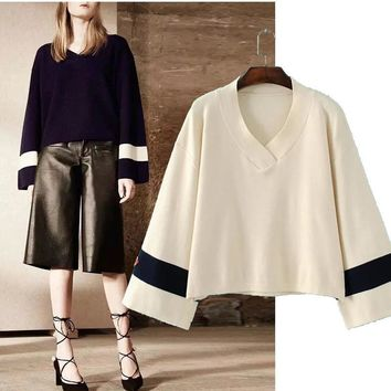 2016 Autumn Women New Fashion V-neck Hit Color Long-sleeved Loose Hedging Knit Sweater AXD1640