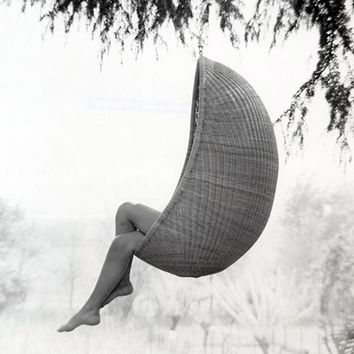 MONOQI   Hanging Egg Chair - Outdoor