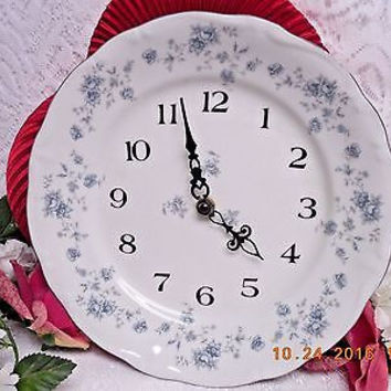 Haviland Johann, Bavaria, China Dinnerware Blue Garland Clock Plate MRSP $80.00