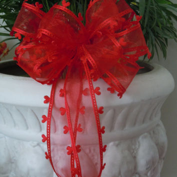 Red Valentine Heart Wreath Bow Red White Hearts Wedding decoration Bow Showers Bow Party Birthday Gift Church Pew Bow