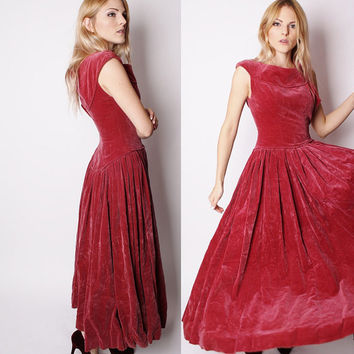 Vintage  1940s Long Dusty Maroon Velvet Cocktail Evening Dress / Dress / Dresses / Velvet Dress / Alternative Wedding Dress / 1582