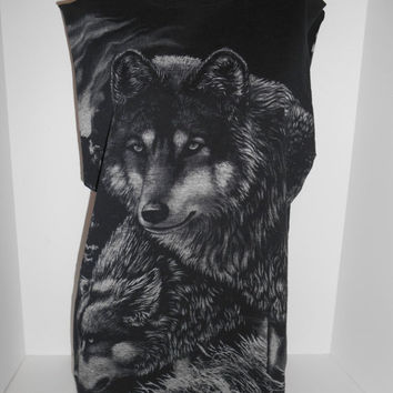 Spring Vintage SALE Vintage men's women's  tee t shirt   90s wolf wolves   cut off sleeves