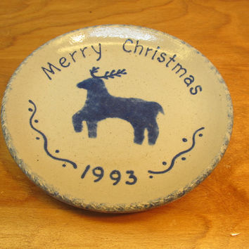 MADE IN EARLHAM IOWA 1993 BLUE REINDEER DECORATIVE  PLATE