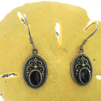 Vintage Oxidized Sterling Silver and Onyx Earrings // Black Onyx Earrings // Vintage Sterling Jewelry