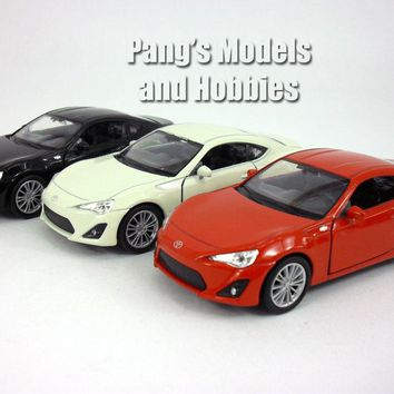 4.75 inch Toyota 86 (Subaru BRZ, Scion FR-S) 1/32 Scale Diecast Model by Welly