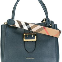 Burberry Buckled Closure Shoulder Bag - Vitkac - Farfetch.com
