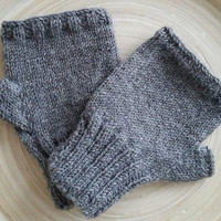 Mens Gray,Knitted gloves, hand knitted, valentines day knitted, gloves, gloves mens, gloves,