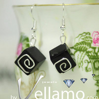 Earrings with black onyx cubes and sterling silver by byVellamo