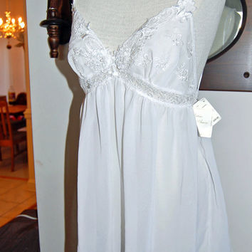 SALE - 1970s Sears Intimo Amore White Wedding Baby Doll Teddy / chiffon lace and bead embroidery / Brand New with tags Vintage / Size Medium