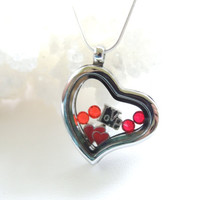 Heart Floating Charm Glass Locket, Love Charm Necklace, Floating Charms Locket, Glass Locket, Valentines Day Gift, Mothers Day Gift. B153