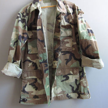 Vtg Camo Jacket Shirt Camouflage US Military M Reclaimed Medium Long Distressed