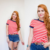 Vintage 1970s Shirt - Red & White Striped Knit Sailor Tee Shirt 70s - Small - Medium