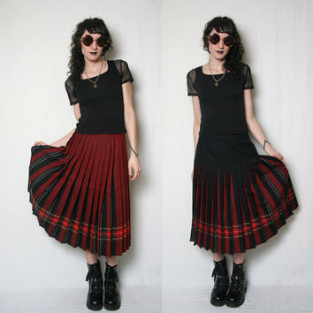 Vintage 70s Pleated Wool Skirt // Reversible Plaid Skirt // Plaid Midi Skirt // Black and Red // Size S-M