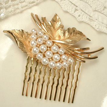 TRIFARI Vintage White Ivory Pearl Brushed Gold Floral Hair Comb, Rose Gold Leaf Brooch Bridal HairPiece Woodland Rustic Wedding Accessory
