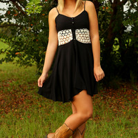 A Touch Of Lace Dress: Black/Ivory