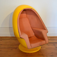 Vintage Lee West Alpha Stereo Egg Chair // Space Age Yellow Egg Chair