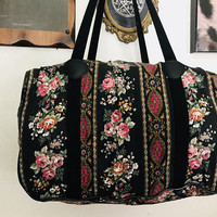 Vintage Black Floral Duffel Bag / Cute Retro Pink Rose Flower Overnight Bag / Girly Grandma Chic Fabric Gym Bag / Mid Sized Travel Carry On