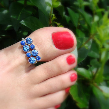 Toe Ring - Big Toe - Saphire Crystal Rhinestones - Silver Metal - Stretch Bead Toe Ring