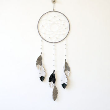 Grey dreamcatcher, Dream Catcher Wall Hanging, scandinavian nursery decor, Monochrome Nursery Decor, Baby Nursery Decor