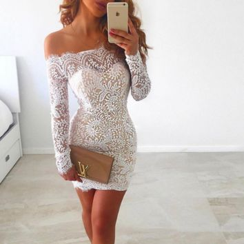The new goddess of eyelashes lace word collar body wrapped around the hip was thin long sleeve dress