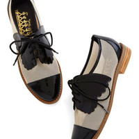 ModCloth Menswear Inspired Monarch de Triomphe Flat in Black