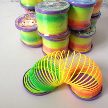Plastic Magic Slinky Rainbow Springs Bouncy Fun Toy Kids Children Toys 3CAU