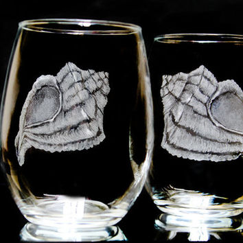 stemless seashell wine glasses - beach wine glass set - hand engraved glass conch shell