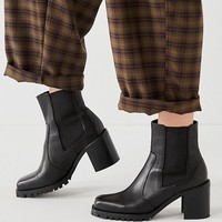 Beth Square Toe Chelsea Boot | Urban Outfitters