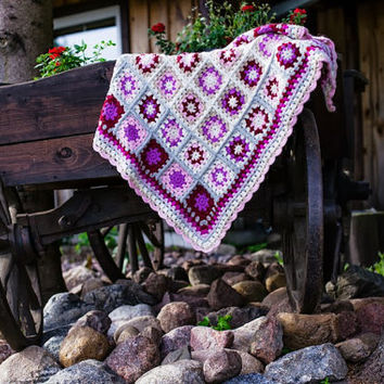 Granny square blanket, crochet granny square afghan for babies, 100% alpaca yarn, ready to ship