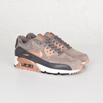 Nike Wmns Air Max 90 Leather - 768887-201 - Sneakersnstuff | sneakers & streetwear online since 1999
