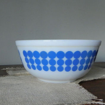 Vintage Pyrex blue dots polka dots nesting bowl # 403 8 3/4 inches - 2 available