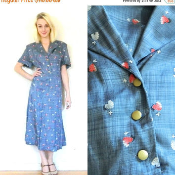 CYBER MONDAY SALE 40s vintage day dress / Button down / Shirt dress / 1940s novelty print / Plus size vintage / Wwii shoulder pads / short s