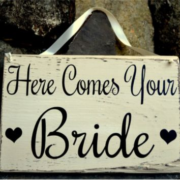 Wedding Sign Here Comes Your Bride Signs Vintage Rustic Ring Bearer Flower Girls Carry Distressed Decoration Country Barn Ranch Ceremony