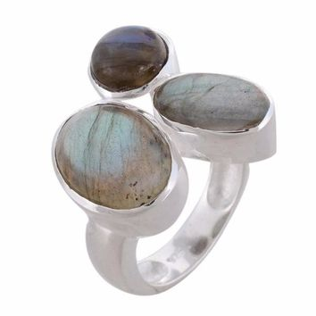 Arvino Three Stone Silver Ring With Labradorite Gemstone