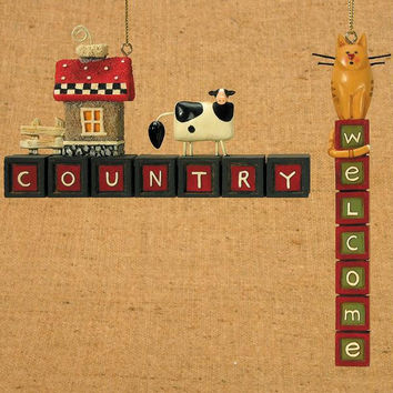 """12 Christmas Ornaments -  """" Country """"  And  """" Welcome """"  Signs"""