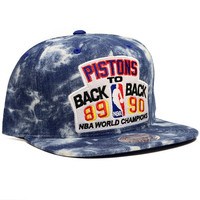 Mitchell & Ness Detriot Pistons Back to Back Snapback In Acid Wash