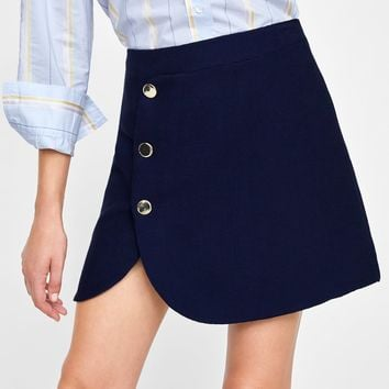 BUTTONED MINI SKIRT DETAILS