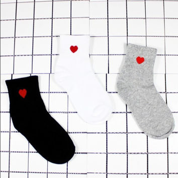 Halajuku Red Heart Cute College Wind Simple Basic Fresh Female Socks