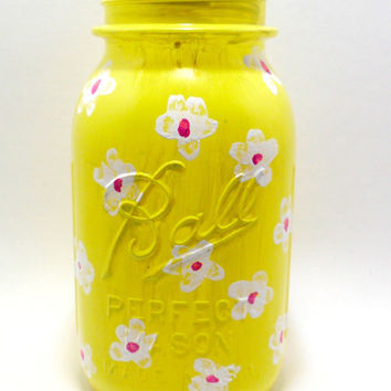 Yellow Painted Mason Jar with White Flowers - decorated mason jar - painted glass jar - home decor - gift ideas - mason jar gifts