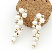 Lovely Imitation Pearl Eardrop Rhinestones Grape Shaped Earrings Ear Stud [7983660935]