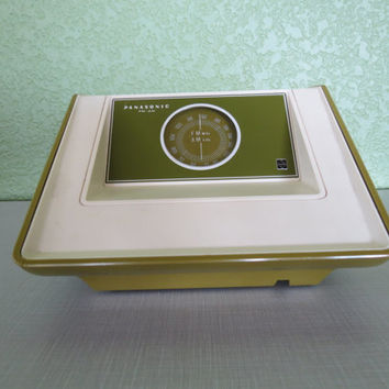 Vintage Panasonic Radio, The Paxton, RE-6231, Am Fm Radio,Avocado Green, Radio Dial,Retro,Mod