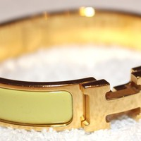 ***EXCELLENT CONDITION!!!*** AUTHENTIC HERMES Clic-Clac Bracelet Size - PM.