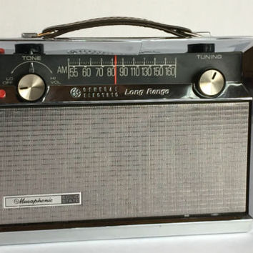 RARE G.E. Long Range AM Radio   P-783A Musaphonic
