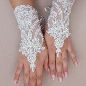 İvory Wedding Glove, ivory lace gloves, Fingerless Glove, embroidered with pearls bridal gloves, french lace gloves