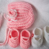 SALE Handmade baby bonnet and two pairs of shoes/ by margarita779