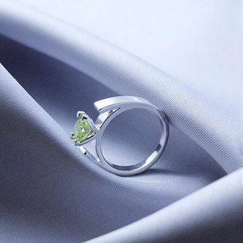 Size 6-10 Once Upon a Time Ring The Snow White's Minimalist Silver Plated Green Crystals Engagement Ring for Women