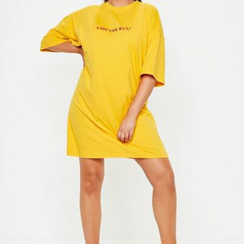 Missguided - Curve Yellow Oversized 0800 Slogan T-Shirt Dress