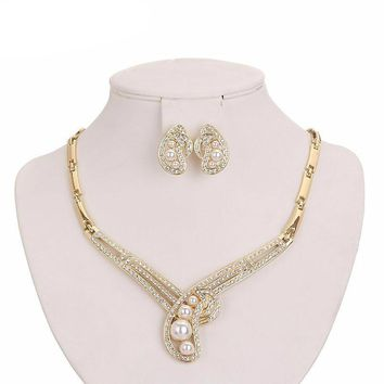 Paisley Shape Gold Plated Simulated Pearl Crystal Rhinestone Jewelry Set Necklace Earrings